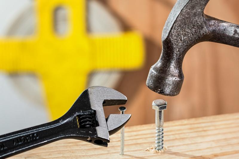 hand-guitar-tool-leg-hammer-nail-704019-pxhere.com.jpg